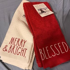 Rae Dunn 2 sets of towels Christmas new